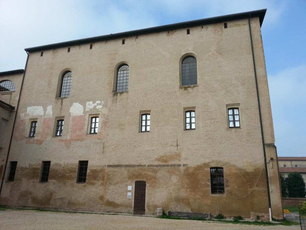 La Biblioteca Bellintani di San Benedetto Po, dove si trova il fondo librario dell'Associazione